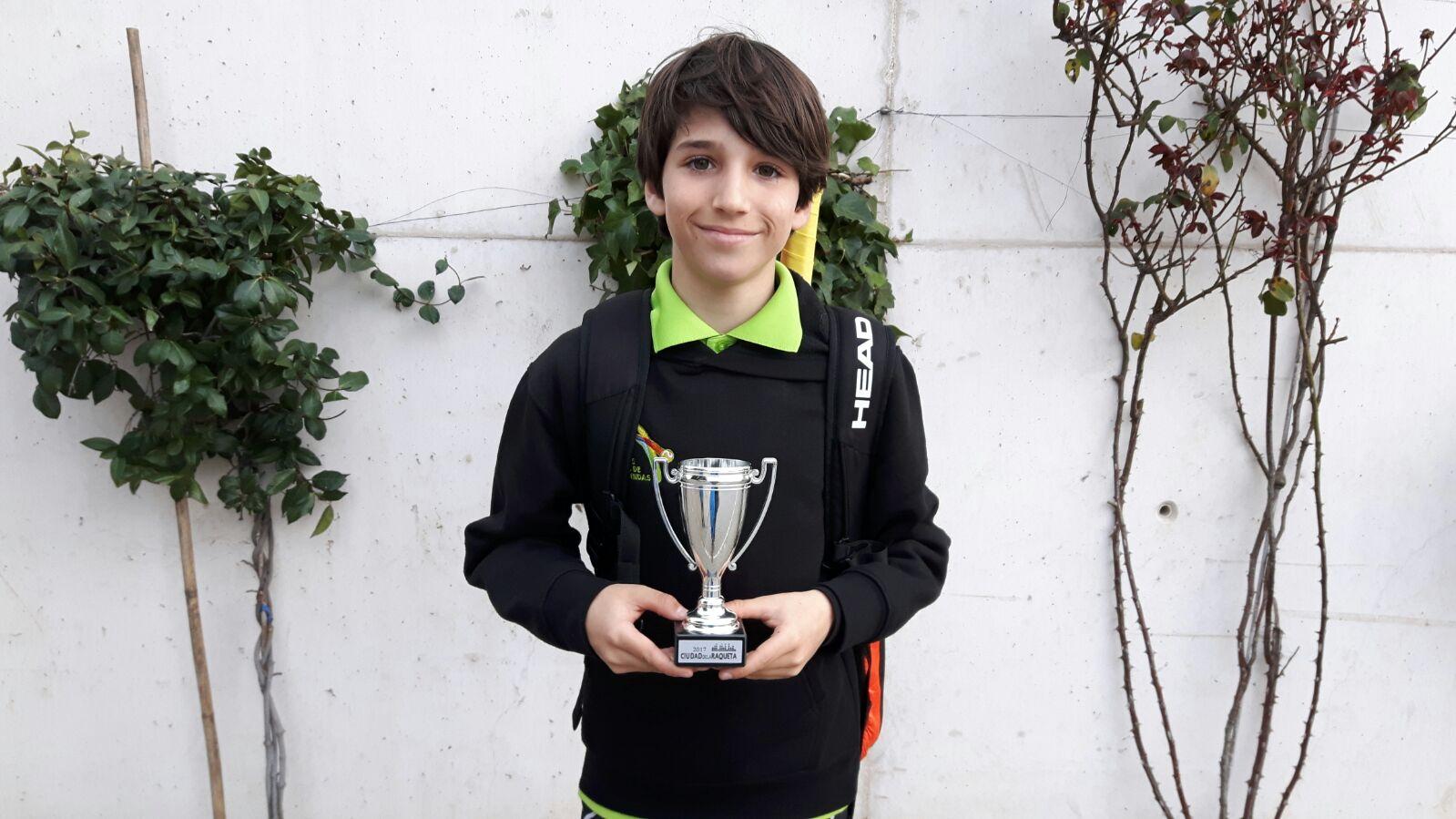 Hugo Sanz Campeón Ciudad Raqueta Febrero 2017 (1)